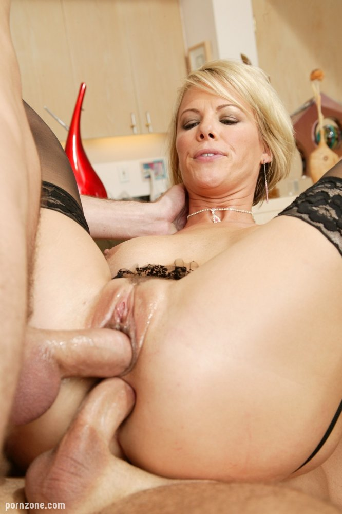 Blonde Milf Hardcore Anal Hq Xxx Taking Control Of This Crazy Situation